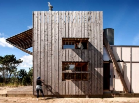 hut-on-sleds-in-whangapoua-nz-by-crosson-clarke-carnachan-architects3
