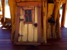 tree-house-door-1
