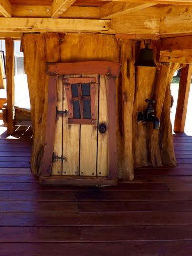 tree-house-door